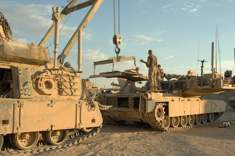 USMC_M88A2_from_the_2nd_Tank_BN_reinstalls_the_AGT1500_into_a_M1A1_at_Combat_Outpost_Shir_Gazay_in_Helmand_Province%2C_Afghanistan.jpg