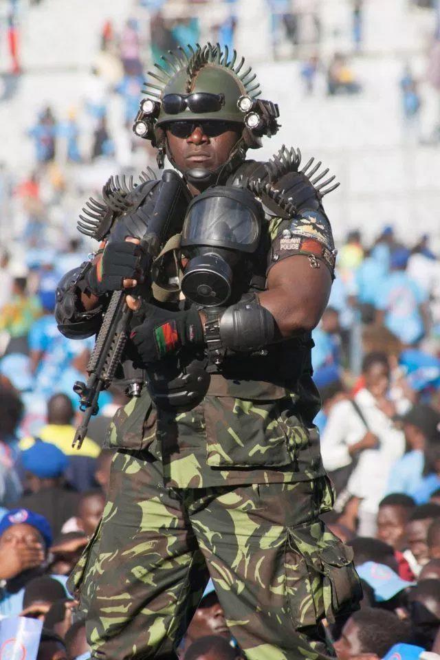 Malawi-Worlds-scariest-Bodyguard.jpg