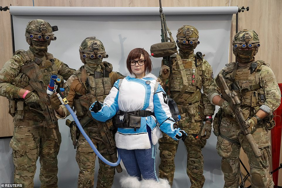 19052470-0-Being_a_games_exhibition_cosplayers_got_the_chance_to_boost_thei-a-12_1569701595479.jpg