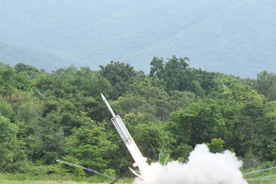 Thailand_DTI_conducts_dynamic_test_on_D11A_guided_rocket_1.jpg