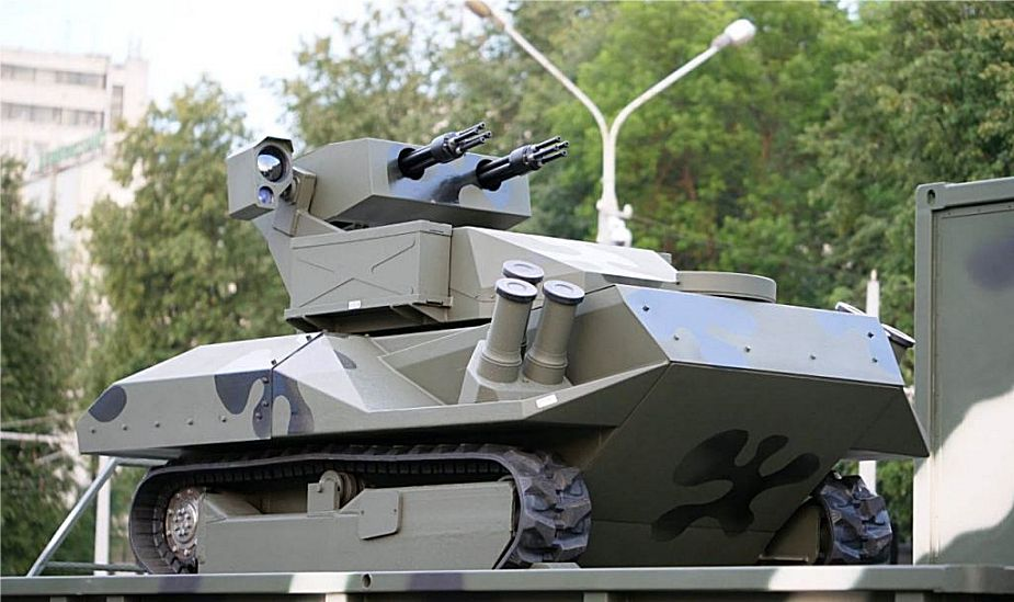 New_armed_robot_Centaur_unveiled_by_Belarus_army_at_military_parade_925_001.jpg
