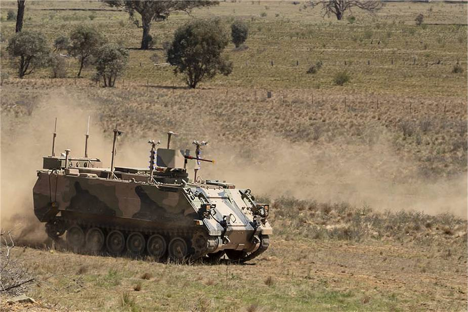Australia_awards_contract_to_BAE_Systems_to_convert_M113AS4_armored_in_autonomous_vehicle_925_001.jpg