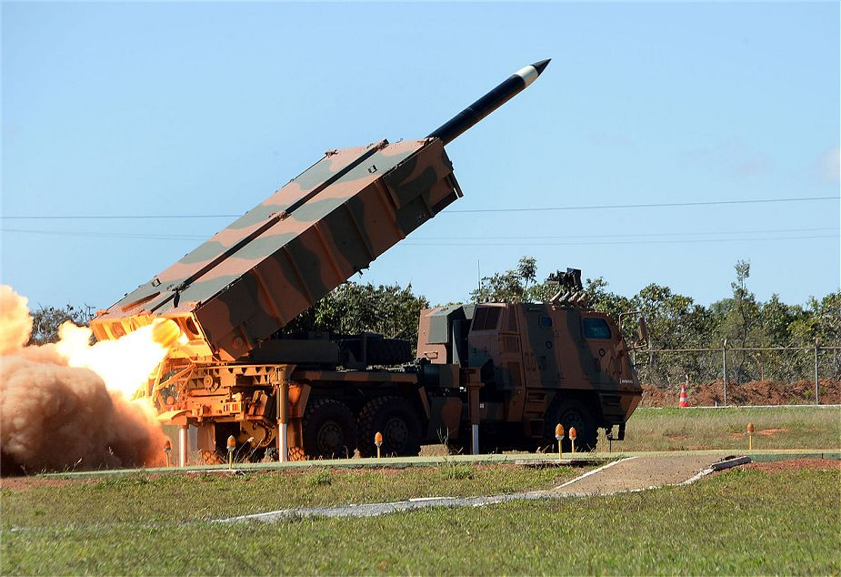 Spain_could_be_interested_to_acquire_Brazilian_ASTROS_2020_MLRS_925_01.jpg