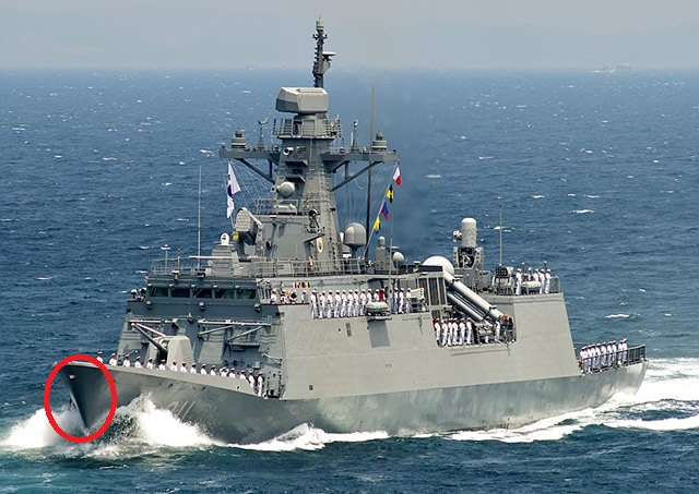 Incheon_class_frigate_FFX_ROK_Navy_South_Korea_Navy_top.jpg