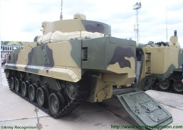 New_BMP_3M_100_Dragun_fitted_with_RCWS_turret_unveiled_at_Russia_Arms_Expo_2015_640_002.jpg