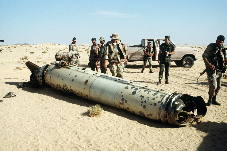 Scud_downed_by_Patriot_missiles.jpg