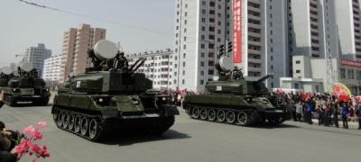 크기변환_03-09-03-북한의 M1992 30mm 자주대공포.jpg